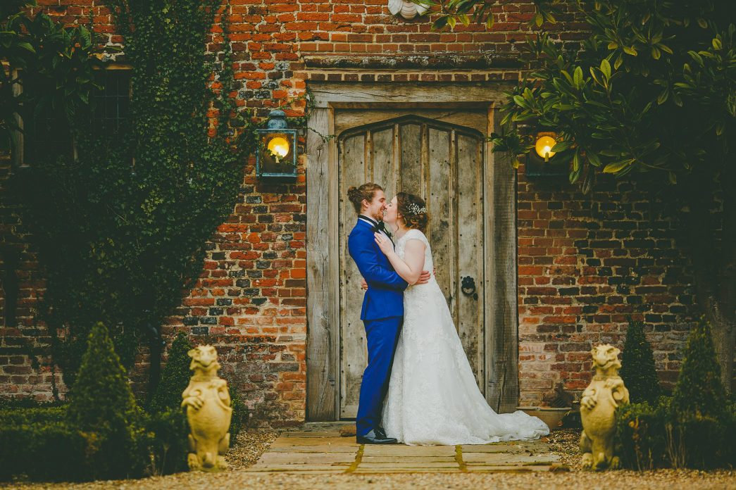 Hales Hall Barn Wedding - Rob Dodsworth Photography-44