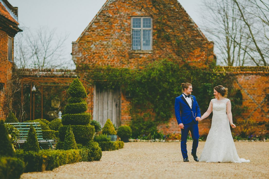 Hales Hall Barn Wedding - Rob Dodsworth Photography-45