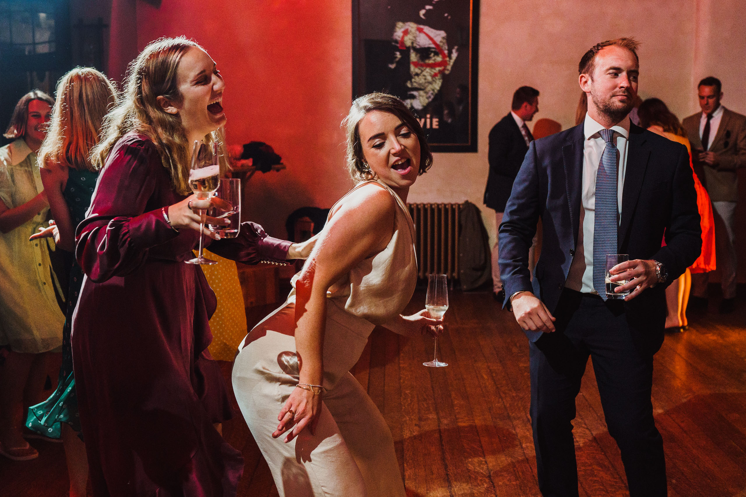 bridesmaid twerking at a Voewood wedding